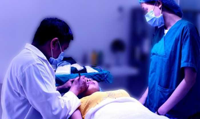 Chữa sụp mí mắt bằng phương pháp tự nhiên