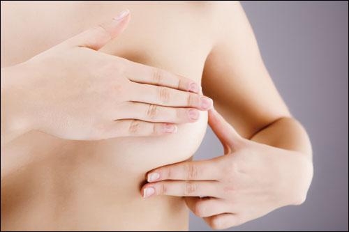 Bóp ngực nhiều có bị xệ không