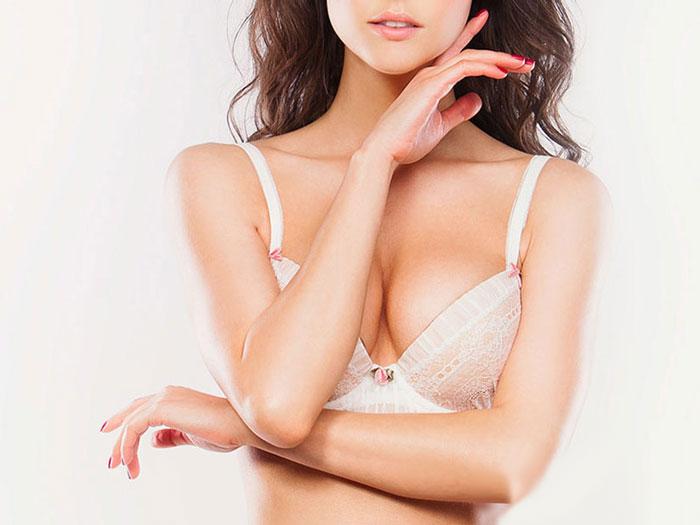 Tại sao ngực bị chảy xệ