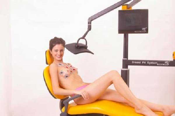 Nâng nở ngực bằng máy breast fit system