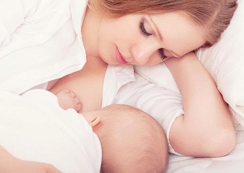 Có nên nâng ngực khi chưa sinh con