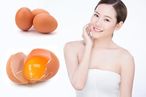 Xóa nếp nhăn bằng trứng gà