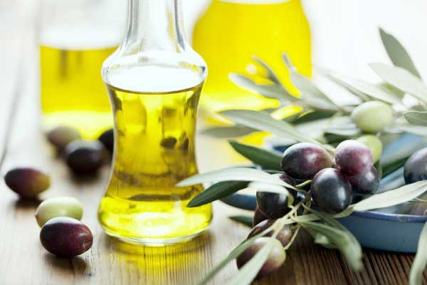 Trị thâm vùng kín bằng dầu oliu