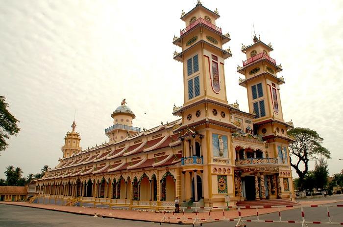 Trẻ hóa vùng kín ở Tây Ninh